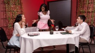 Alexis Tae|Ebony Mystique|Jordi El Nino Polla – Giving Tips To Get A Tip